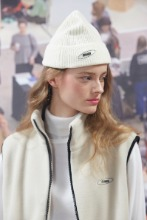 19FW CHUCK RUBBER LABEL BEANIE (IVORY)